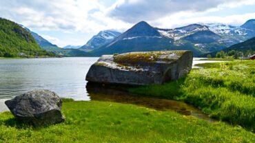 Ved fjæra i Mørsvikbotn i Sørfold