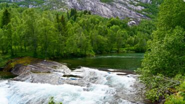 Over kulpen ved Nordfjordelva