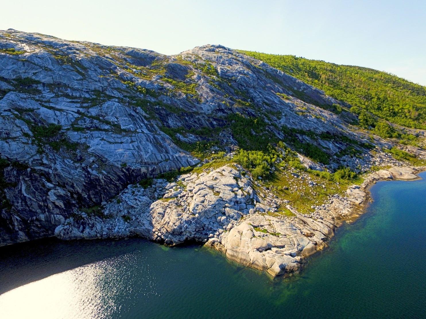 Trollhola Åseli Elvefjorden