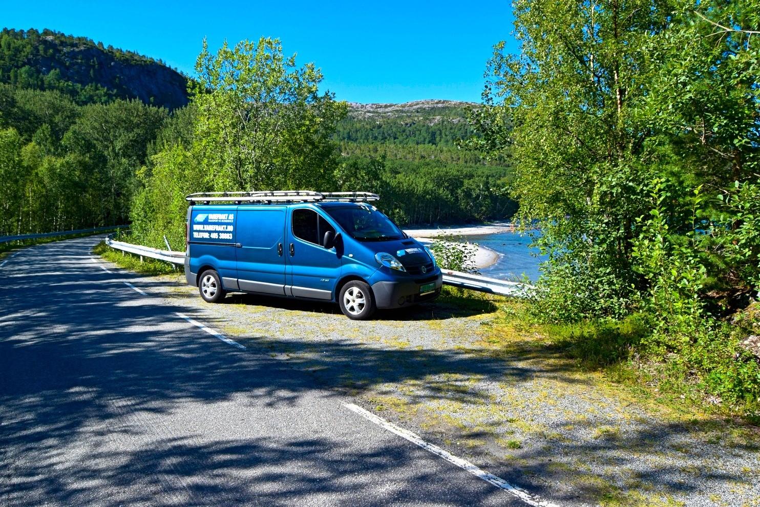 Parkeringsplass ovenfor Ospvika på Kjerringøy