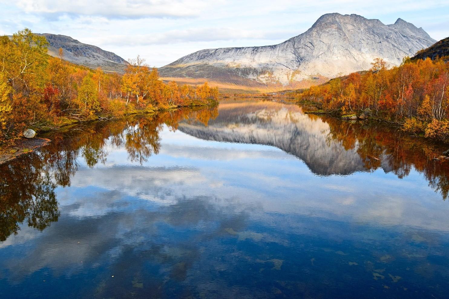 Vatn og fjell i Gjerdalen