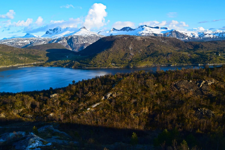 Utsikt mot Børvasstindene i Bodø