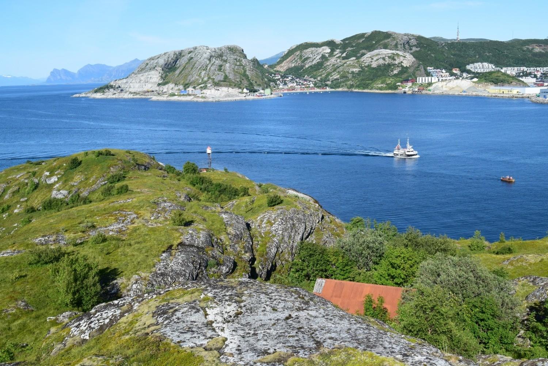 Kvalvika sett fra Lille Hjertøya