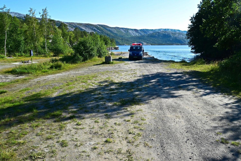 Parkeringsplass ved Vatnvatnet i Bodø