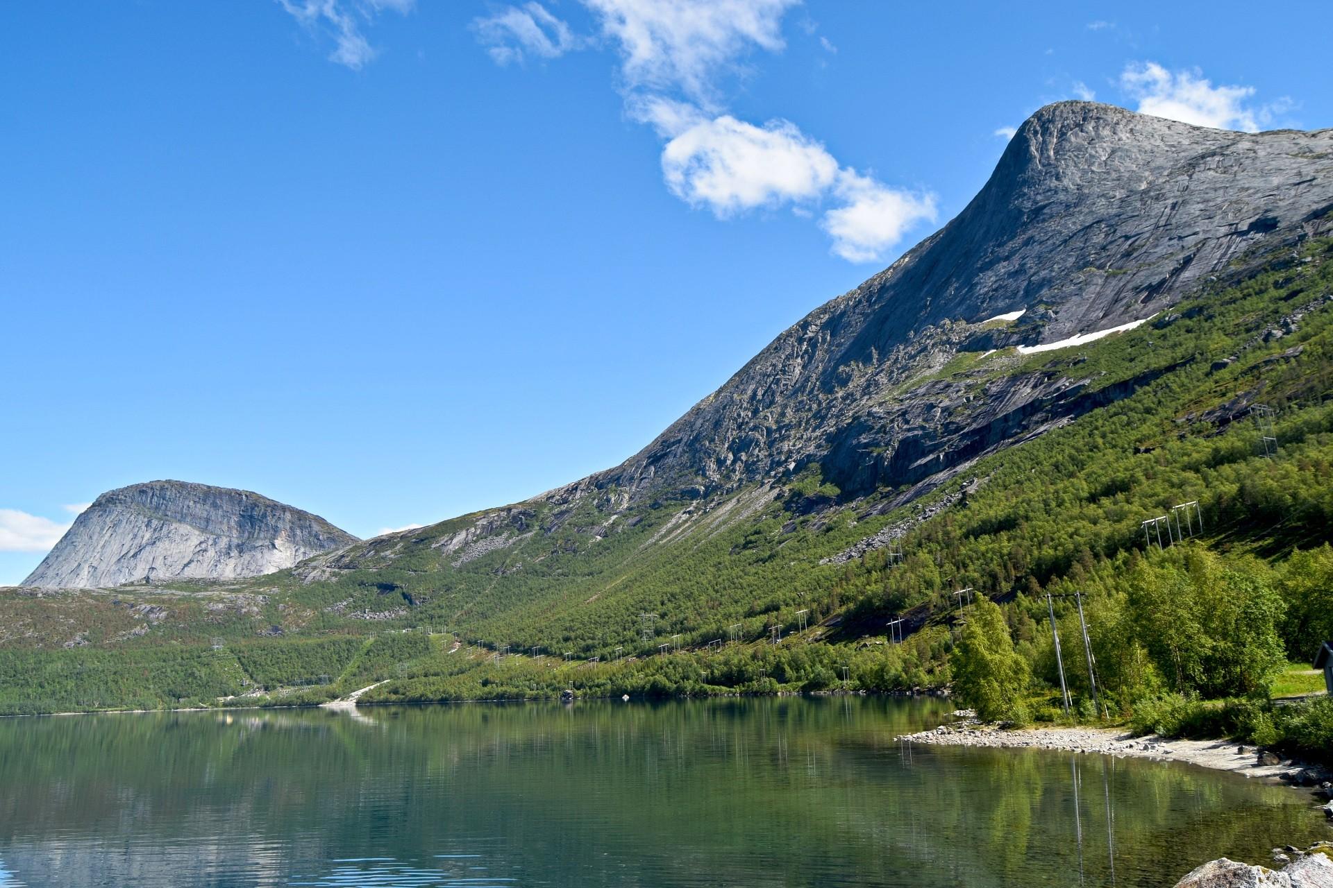 Durmålstinden og Sisotinden i Sørfold