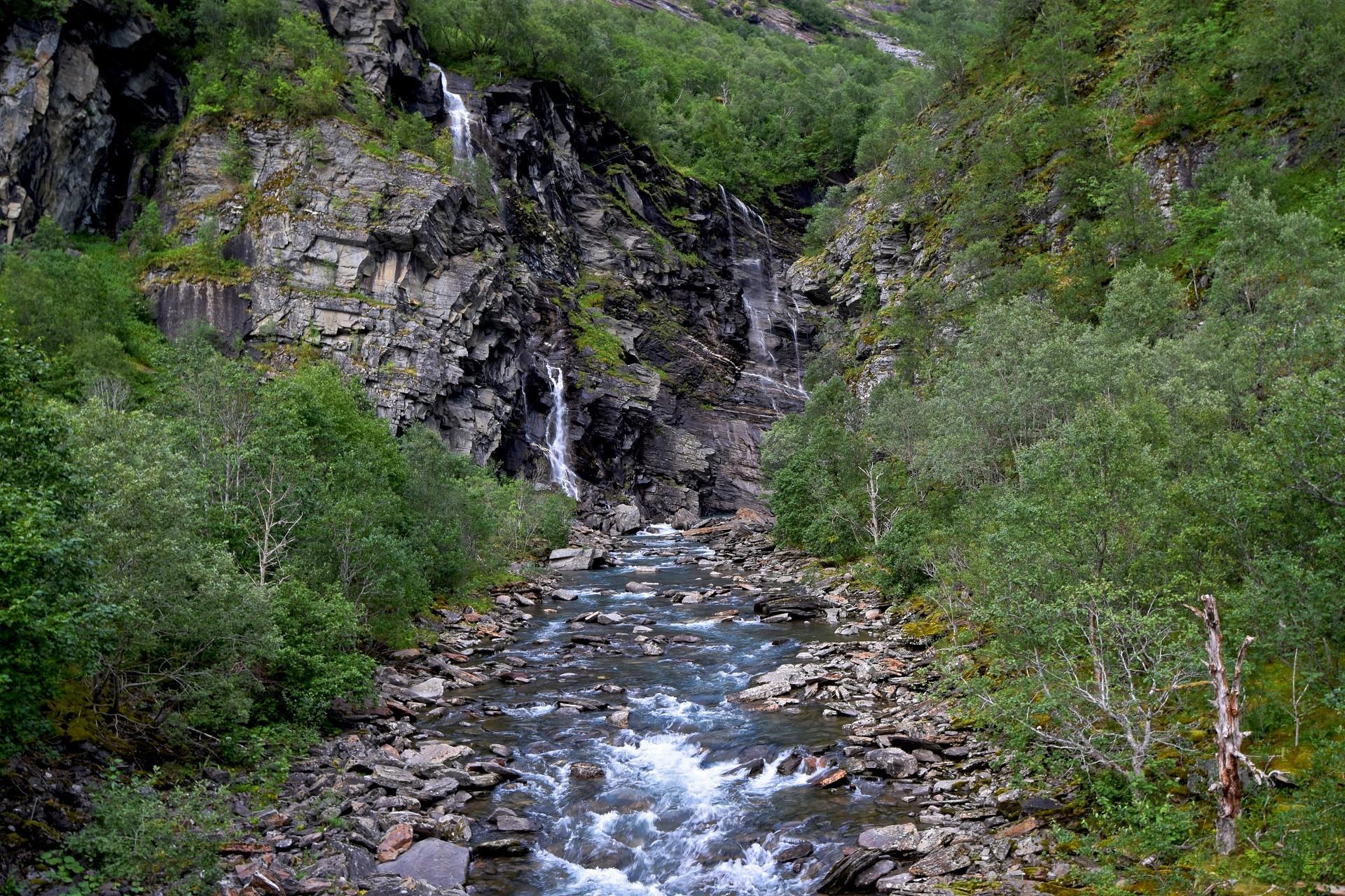 Elva ovenfor Fykanvatnet i Meløy