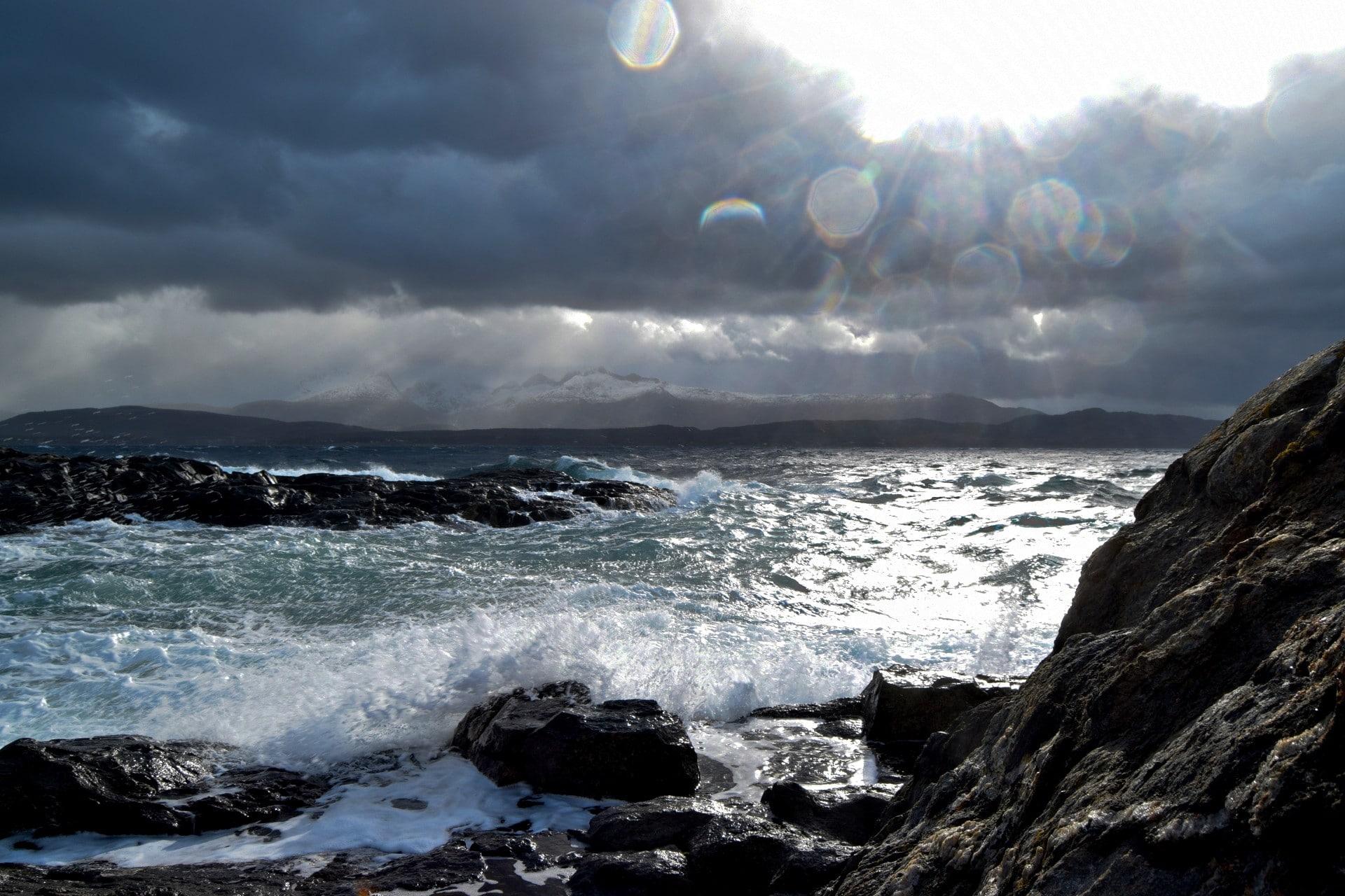 Høststorm ved Mørkvedbukta i Bodø