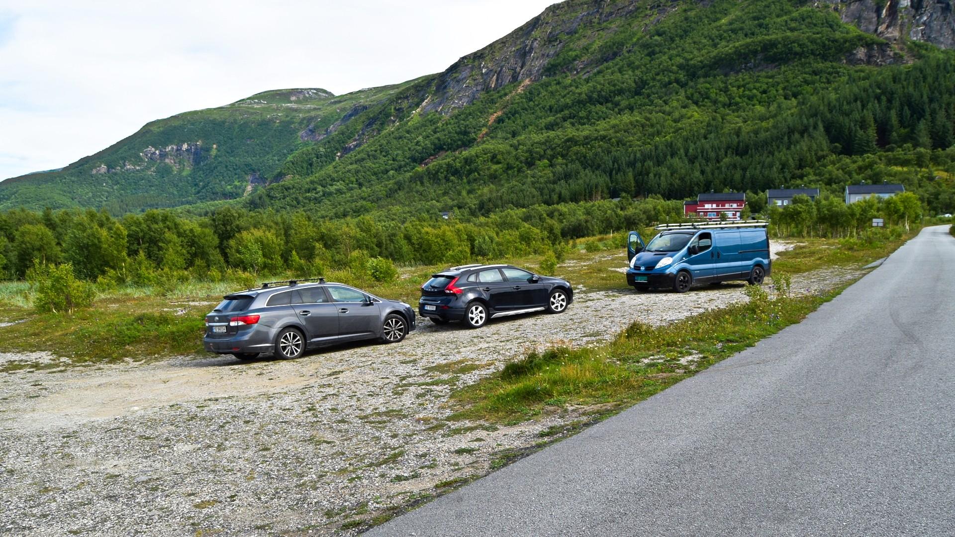 Parkeringsplassen ved Skjelstad
